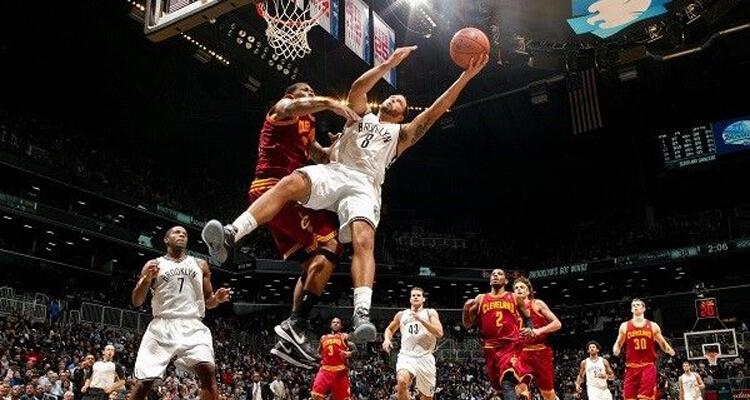 trận đấu bóng rổ